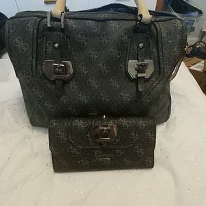 Guess purse and wallet.